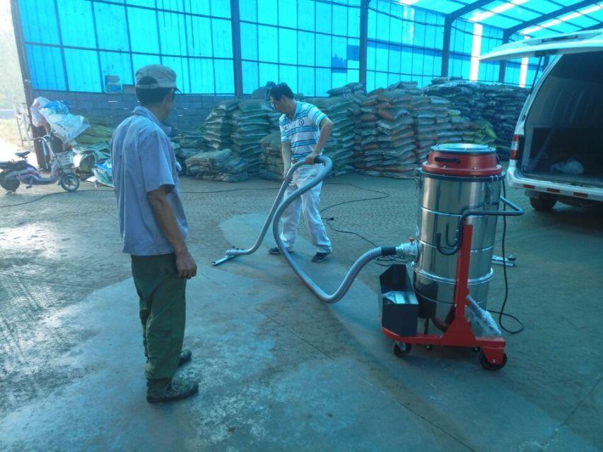 220V单相大功率工业吸尘器,用于化工厂车间